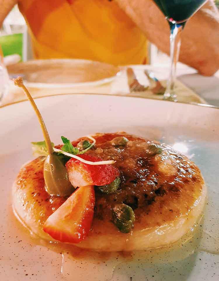 Typisch Griekse gerechten Saganaki